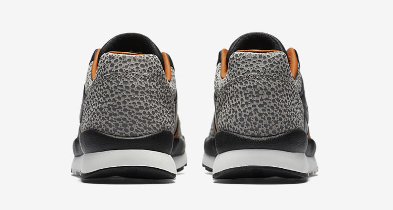 Nike Air Safari AO3295-001 (Heel)