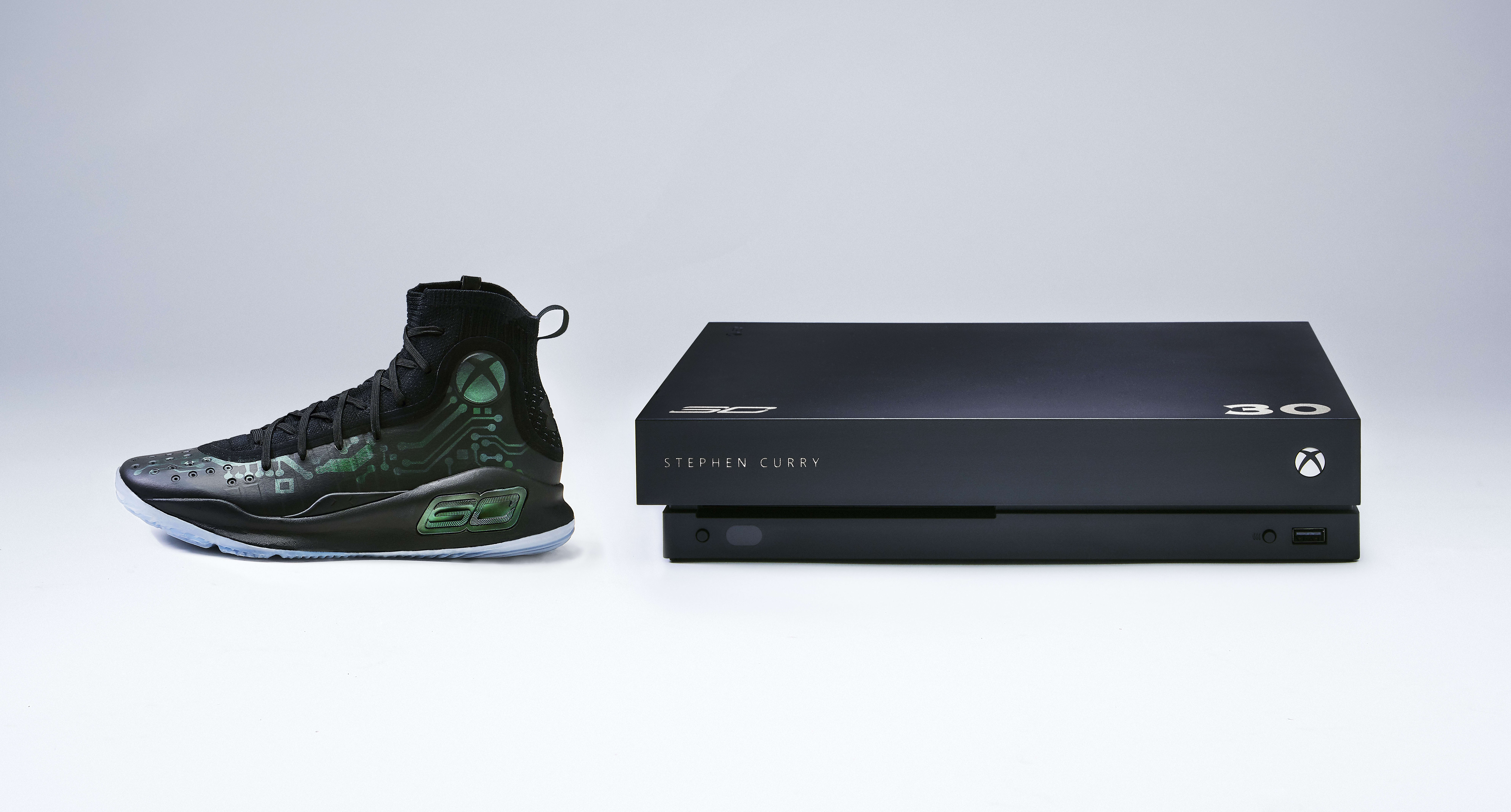 Under Armour Curry 4 x Xbox One X 'More Power' (Lateral)
