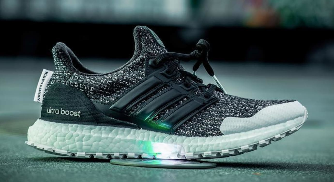 Game of Thrones x Adidas Ultra Boost 'Night's Watch' (Lateral)