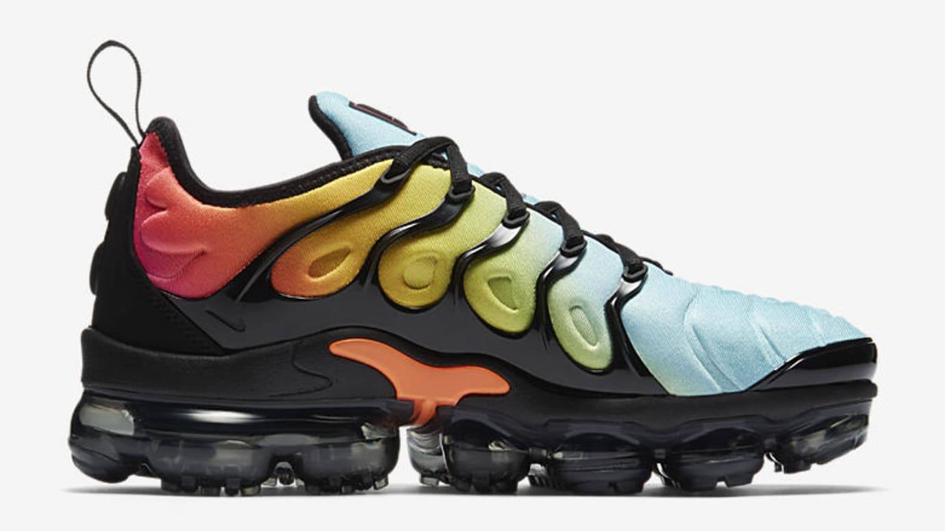 hot sale online 70cb8 ee172 Bright Versions of the Nike Air VaporMax Plus for women ...