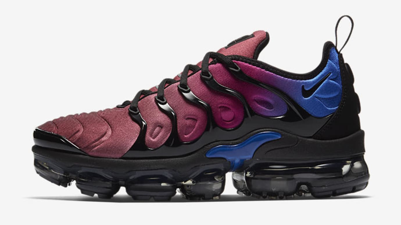 hot sale online 586e7 72e38 Bright Versions of the Nike Air VaporMax Plus for women ...