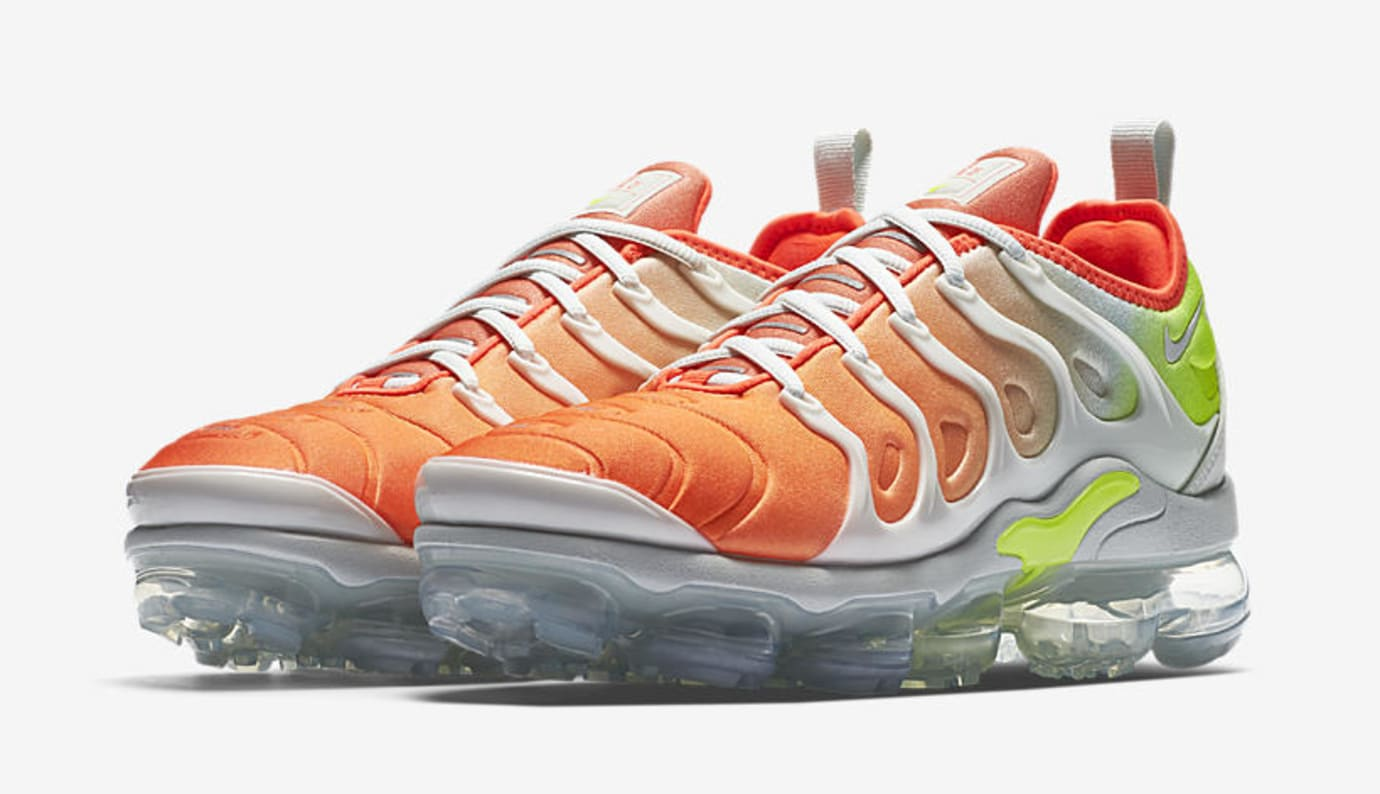 Nike Air VaporMax Plus 'Barely Grey/Total Crimson' AO4550-003 (Pair)