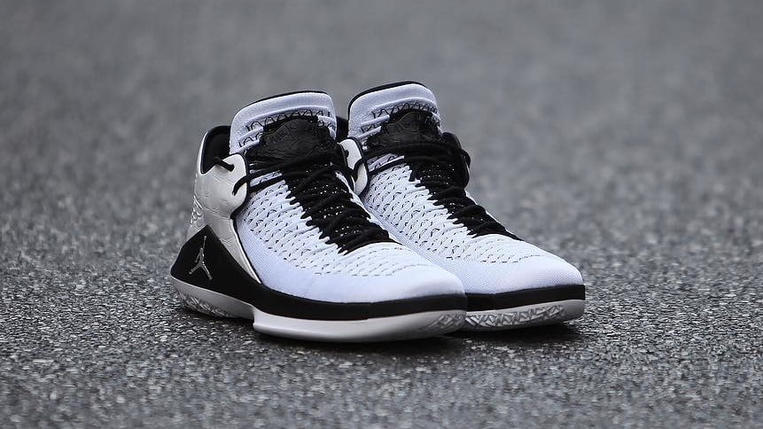 air-jordan-32-low-white-metallic-silver-release-date-aa1256-102