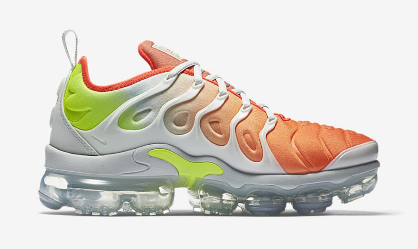 72dfb1405c717 Image via Nike Nike Air VaporMax Plus  Barely Grey Total Crimson   AO4550-003 (Medial