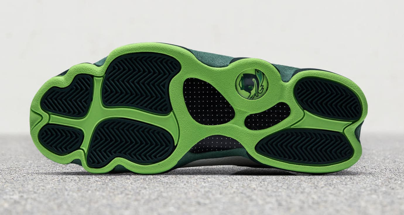Air Jordan 13 Oregon Ducks Football Friends & Family PE (Bottom)