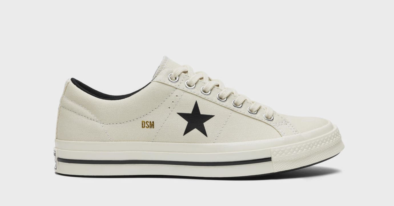390296f402b71a Image via Converse Dover Street Market x Converse One Star  White  (Lateral)