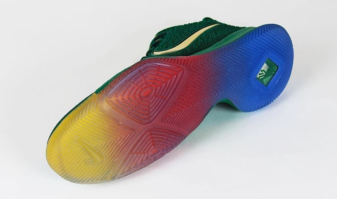 Nike Kyrie 3 Rainbow PE Sole