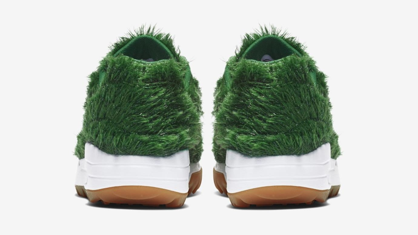 نتيجة بحث الصور عن ‪Nike Launches Golf Shoes With Grass Cover‬‏