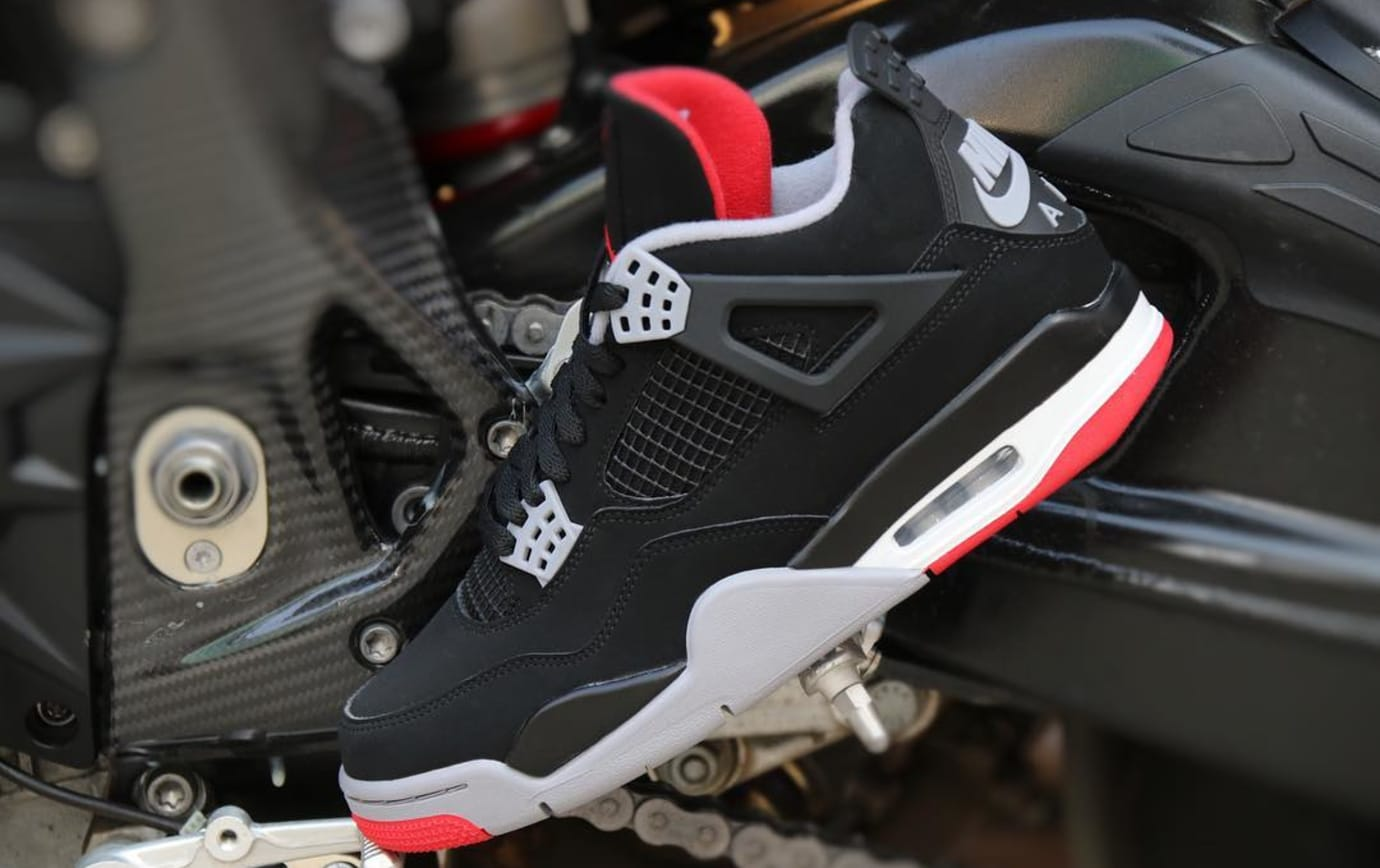 Image via ylt r3 · Air Jordan 4 2019  Bred  308497-060 Early Look Lateral  Side 16d8b7278