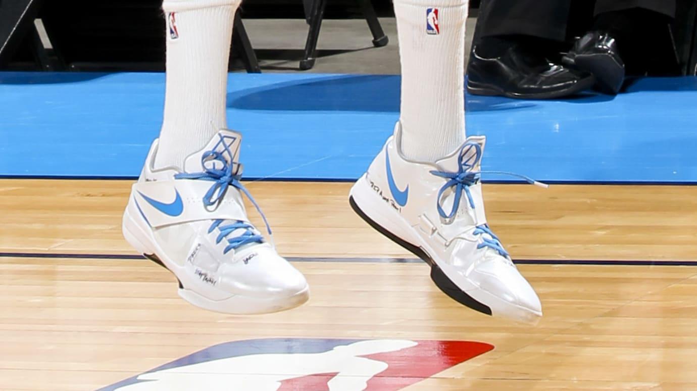 Kevin Durant Wears Nike KD 4 PE