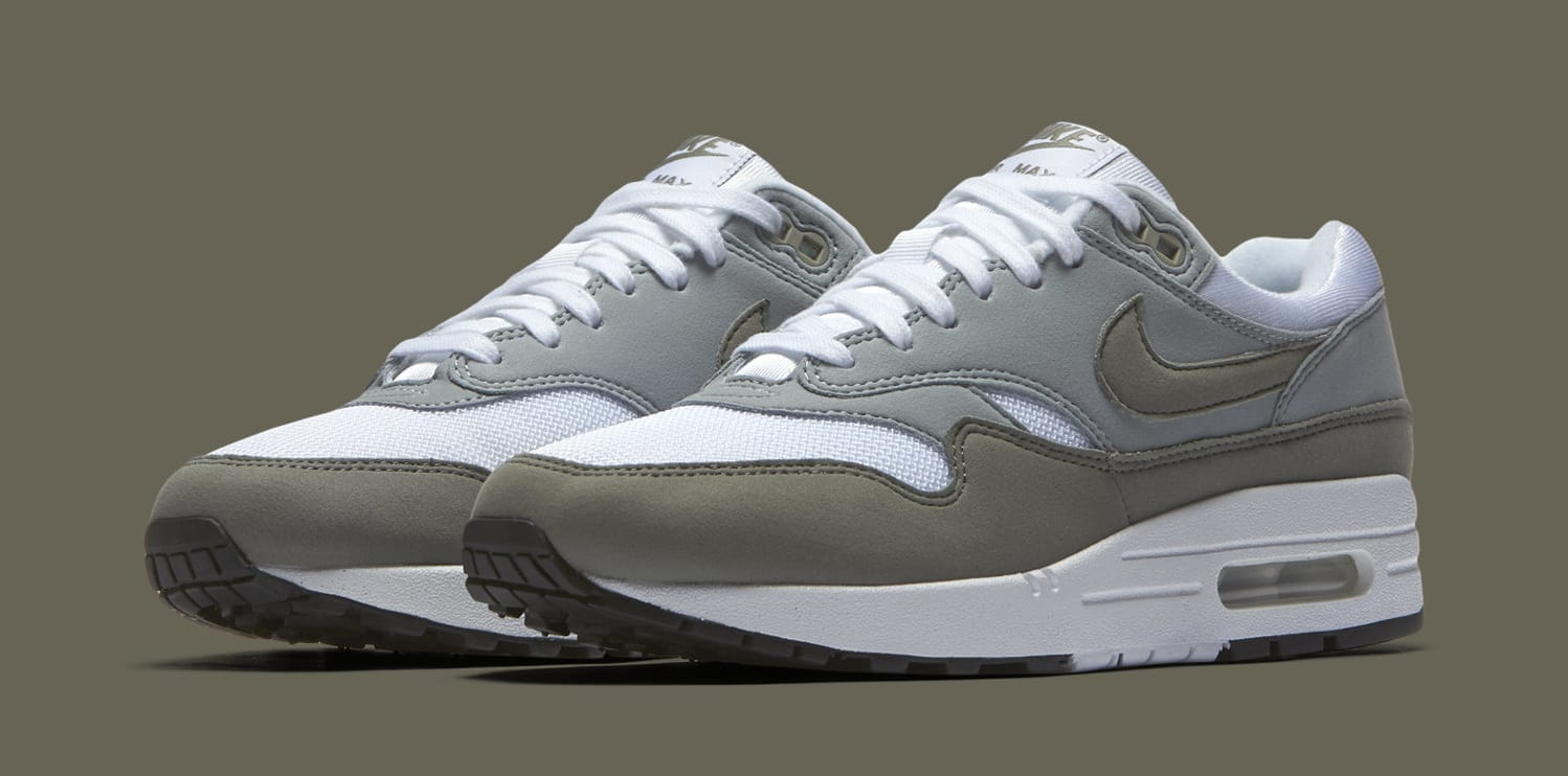 Nike Air Max 1 White/Light Pumice/Black/Dark Stucco 319986-105 (Pair)