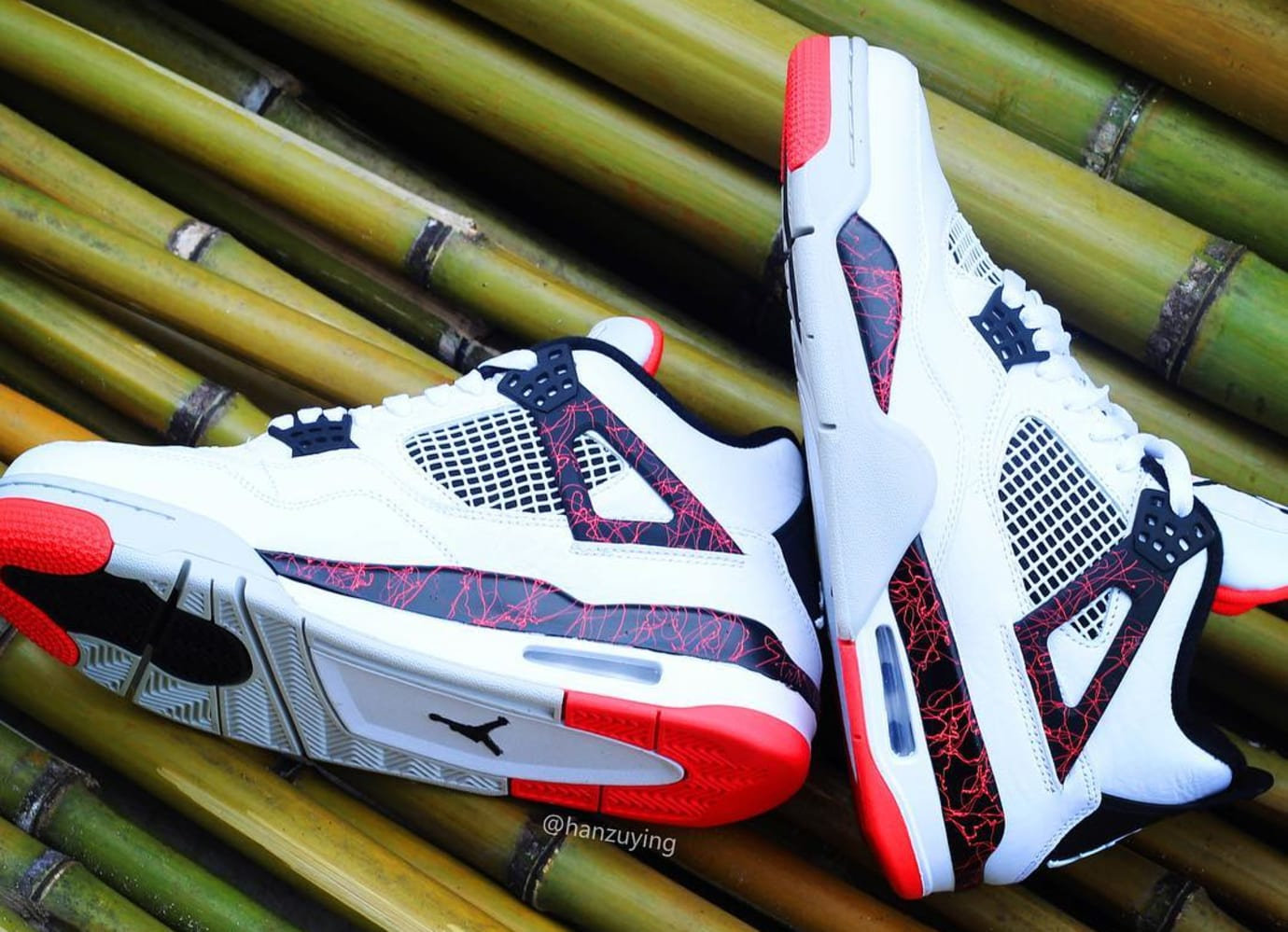Air Jordan 4 Retro 'White/Black-Light Crimson-Pale Citron' 308497-116 (Lateral and Medial)