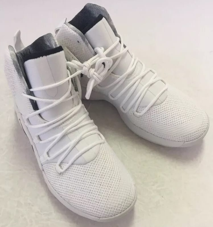 Nike Hyperdunk 2018 TB White/Black AR0467-100 Right