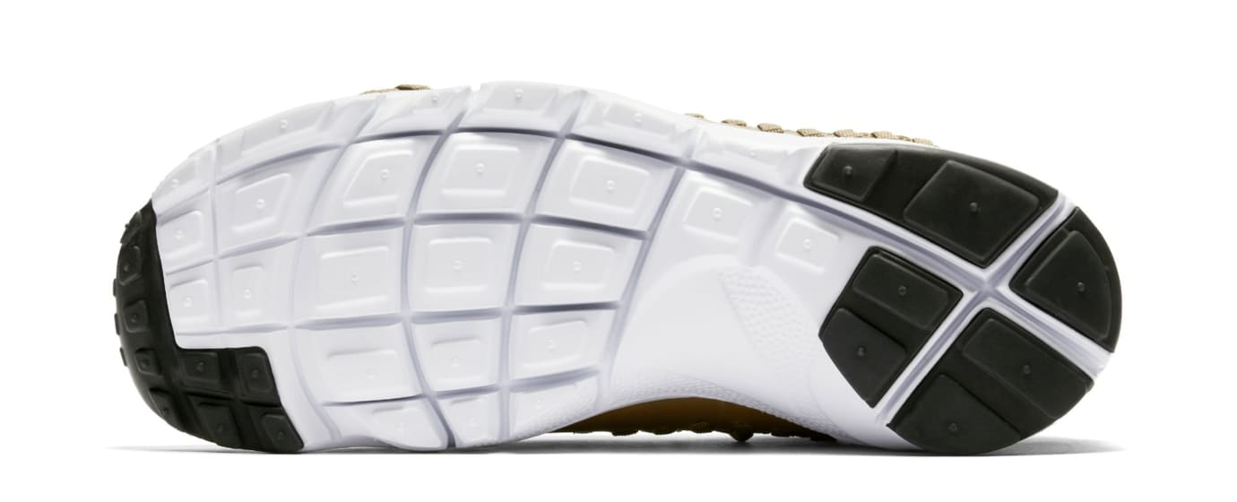 finest selection 972bf 526e1 Image via Nike Nike Footscape Woven Chukka Flyknit  Golden Beige  AO5417-400  (Sole)