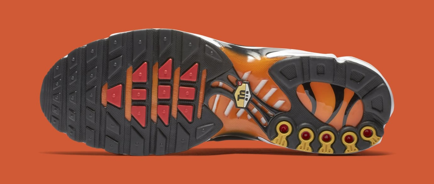 Nike Air Max Plus 'Sunset' BQ4629-001 (Bottom)