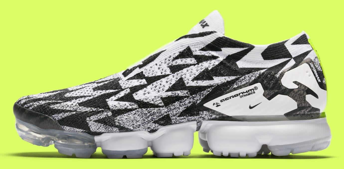new product 16cef ced9f Acronym x Nike Air VaporMax Moc 2 AQ0996-001 (Lateral)