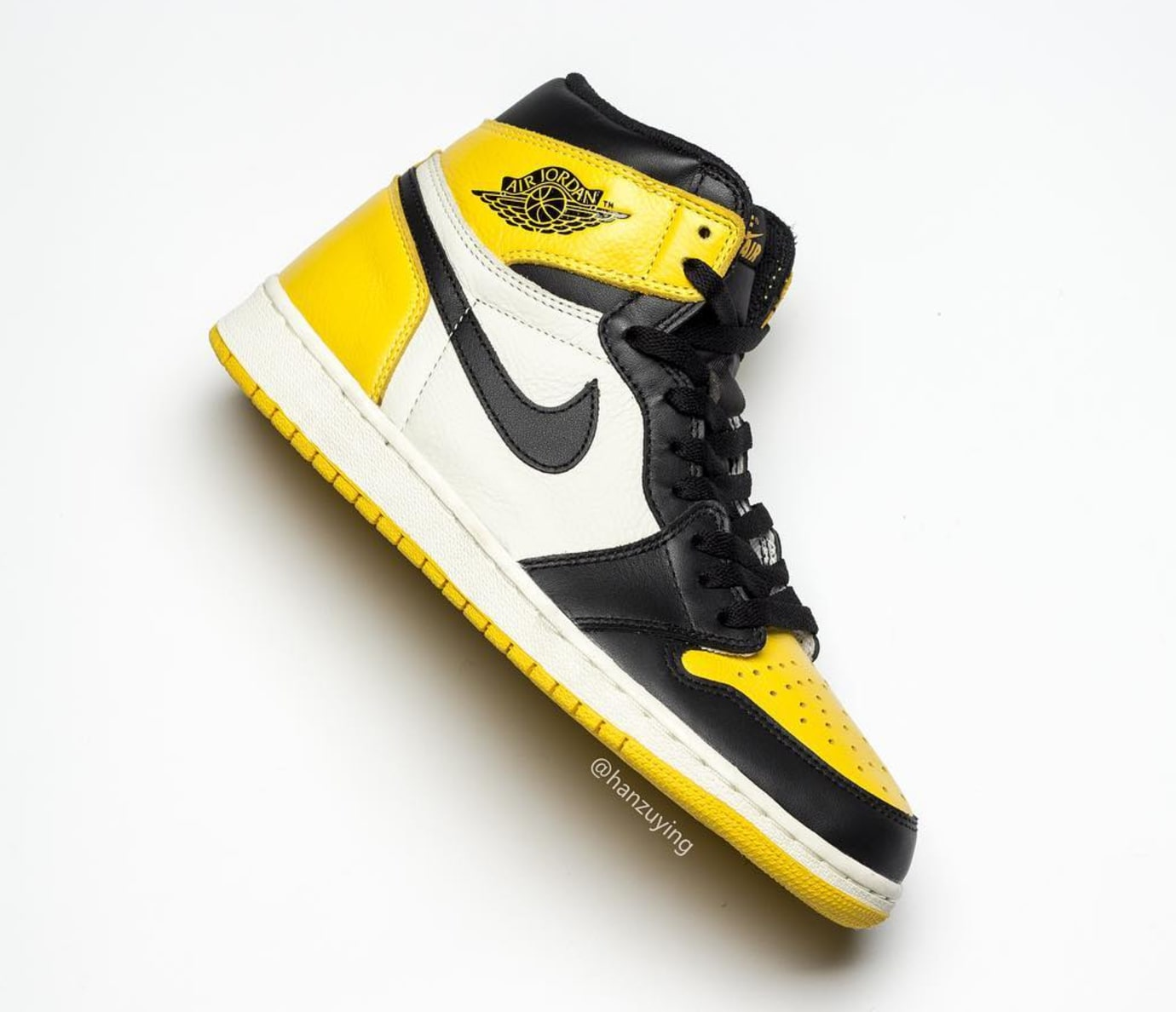 Air Jordan 1 Retro High OG 'Yellow Toe' AR1020-700