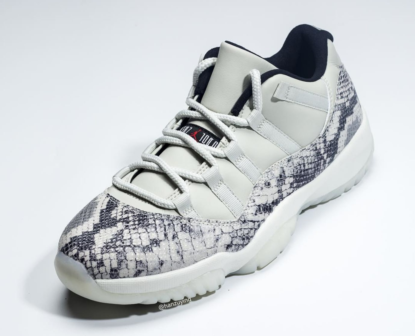 Air Jordan 11 Low SE Snakeskin 'Light Bone/University Red-Sail-Black' CD6846-002 5