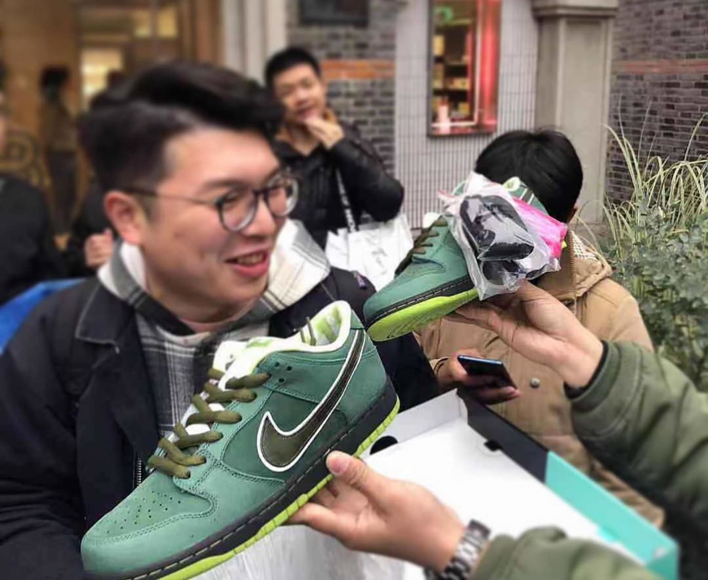 Concepts x Nike SB Dunk Low 'Green Lobster' 'Shanghai Release' 3