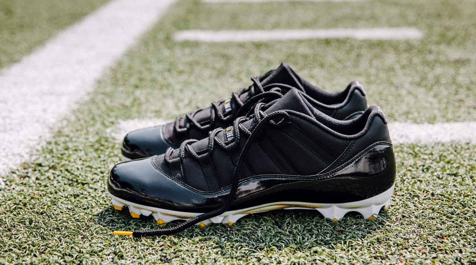Air Jordan 11 Cleats Le'Veon Bell PE (Home)