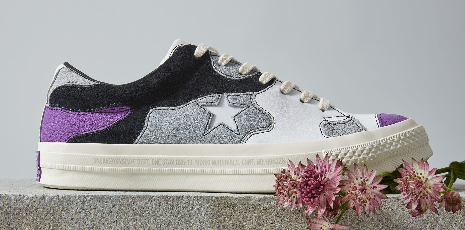 Sneakersnstuff x Converse One Star 'Deep Lavender' (Lateral)