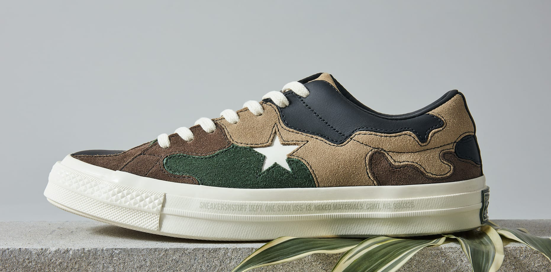 Sneakersnstuff x Converse One Star 'Canteen' (Lateral)