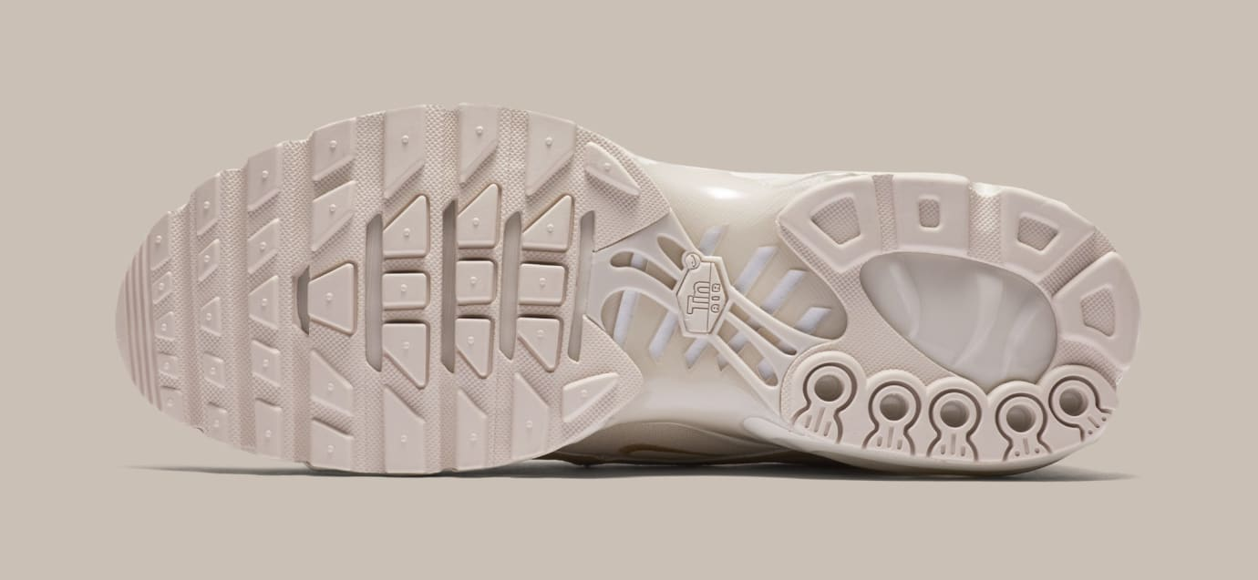 4df96f8e14 Image via Nike Nike Air Max Plus/97 'Light Orewood Brown' AH8143-100 (Bottom