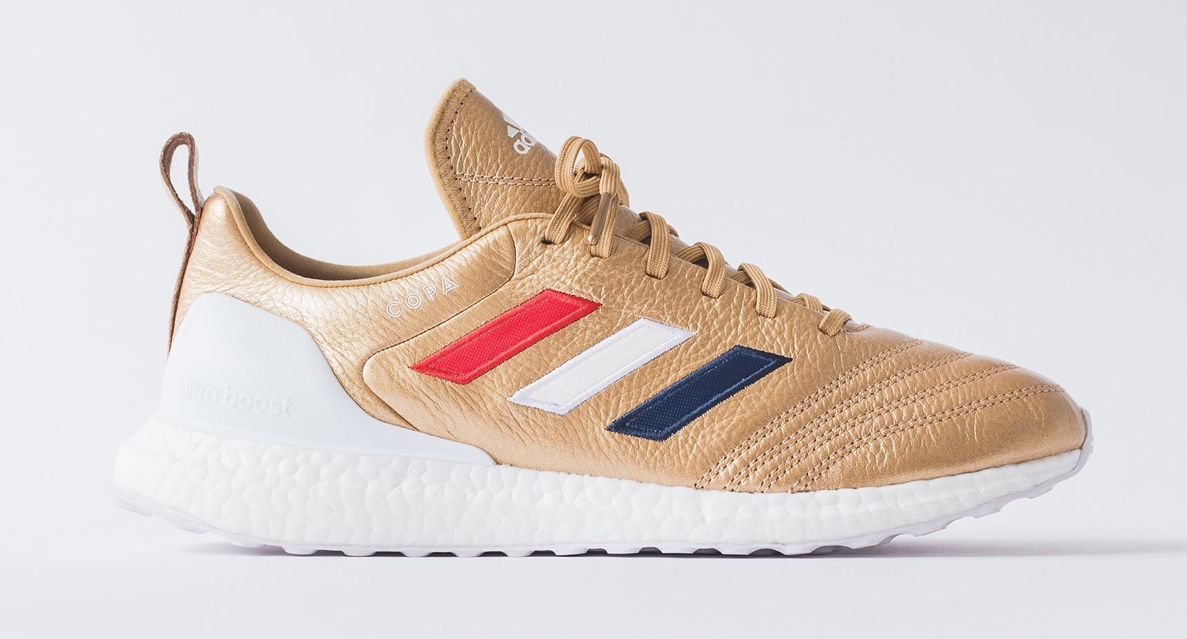 Kith x Adidas Soccer Copa Mundial 18 Ultra Boost (Lateral)