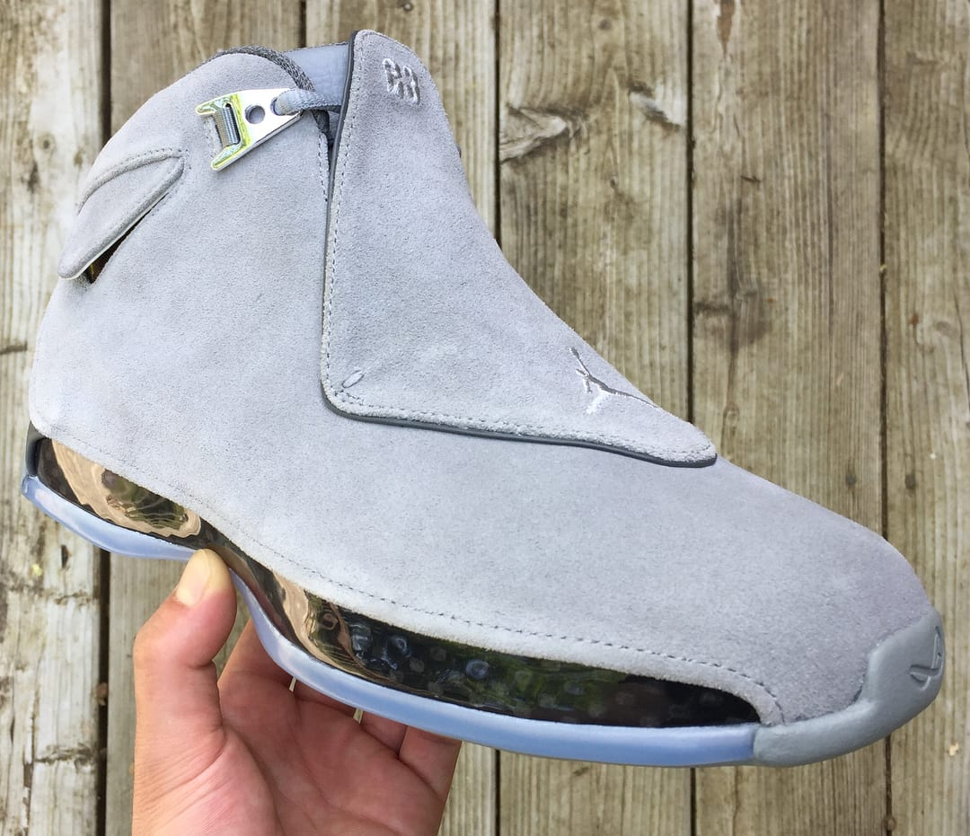 Air Jordan 18 'Cool Grey' AA2494-001 (Front)