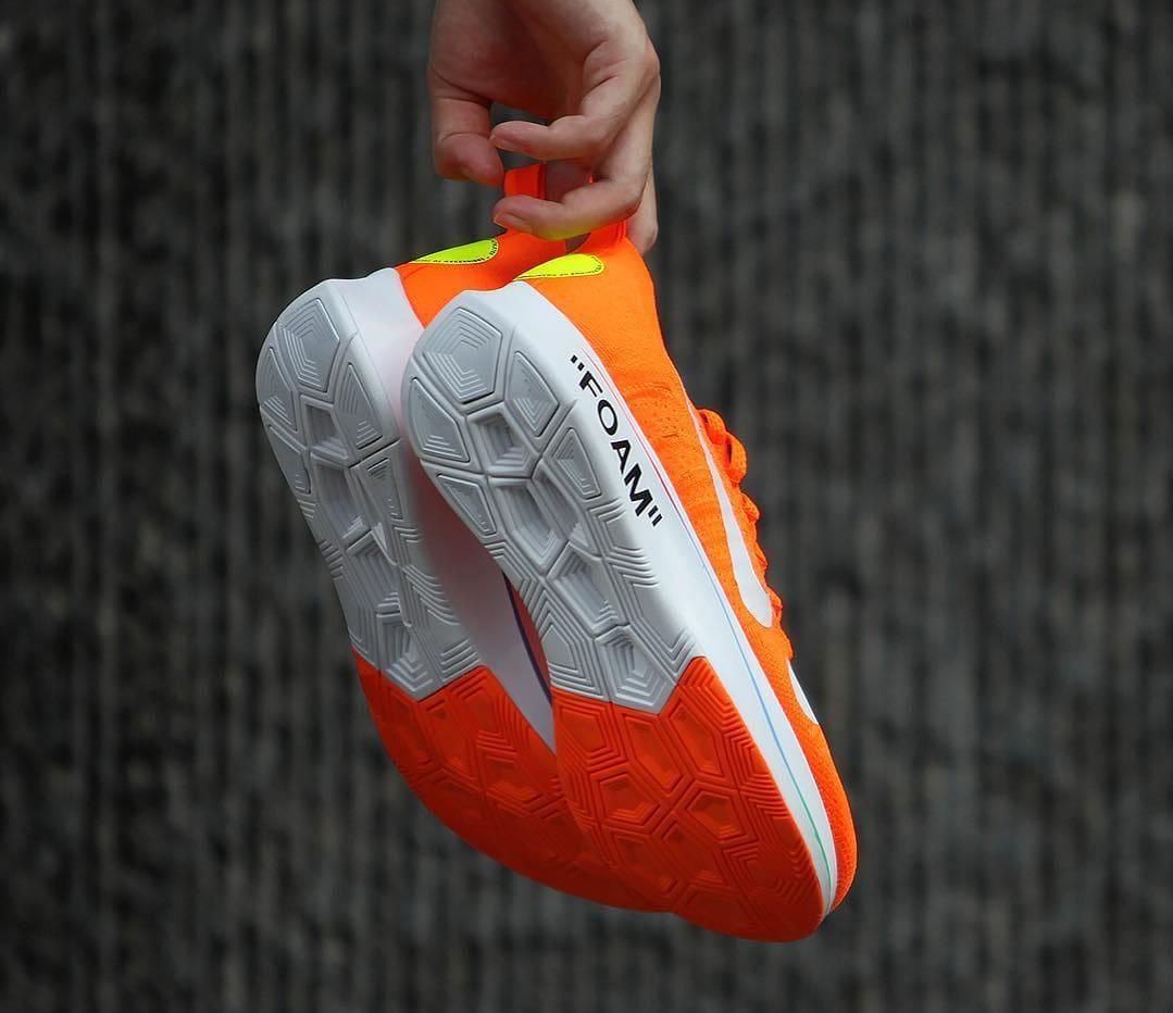 Off-White x Nike Zoom Fly Mercurial Flyknit Total Orange Release Date AO2115-800 Sole