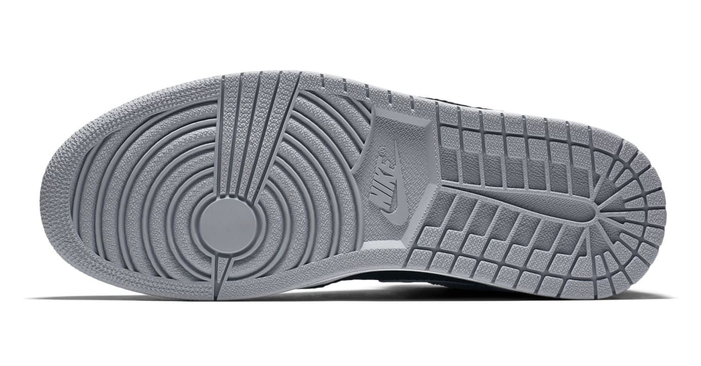 Air Jordan 1 Flyknit 'Shadow' Black/Medium Grey-White 919704-003 (Bottom)