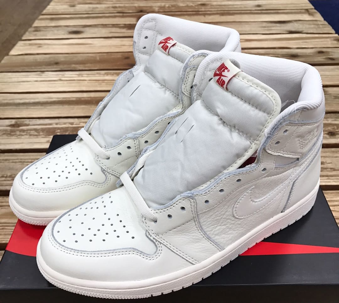 Air Jordan 1 High OG White 2017 Release Date Tongue