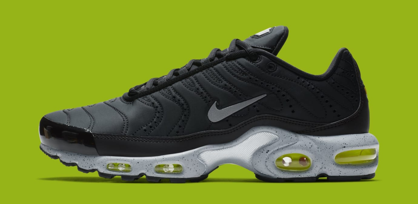 Nike Air Max Plus 'Black/Matte Silver/Volt' 815994-003 (Lateral)