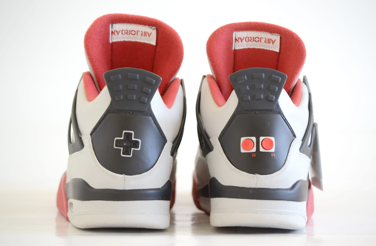 Air Jordan 4 Nintendo Custom (5)