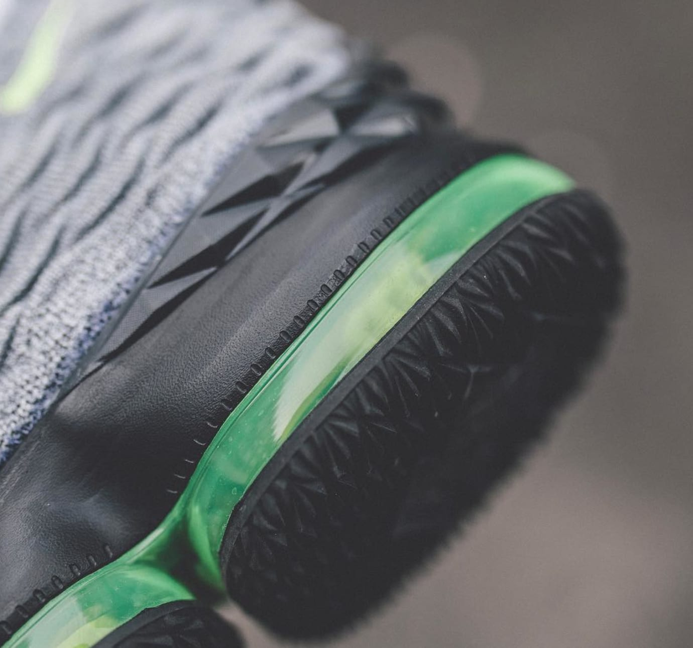 Image via  weocia on Instagram · Nike LeBron 15  Air Max 95  (Air Bag) 2707ad30a