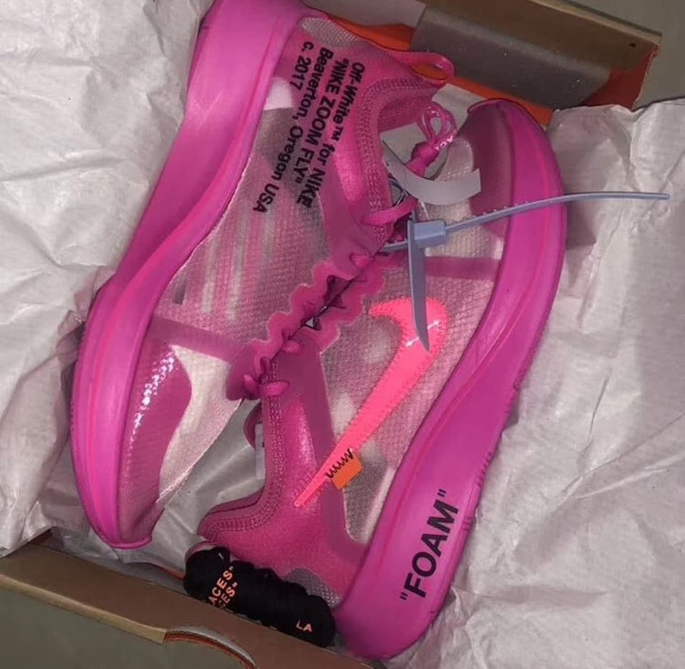 off-white-nike-zoom-fly-sp-tulip-pink-early-look