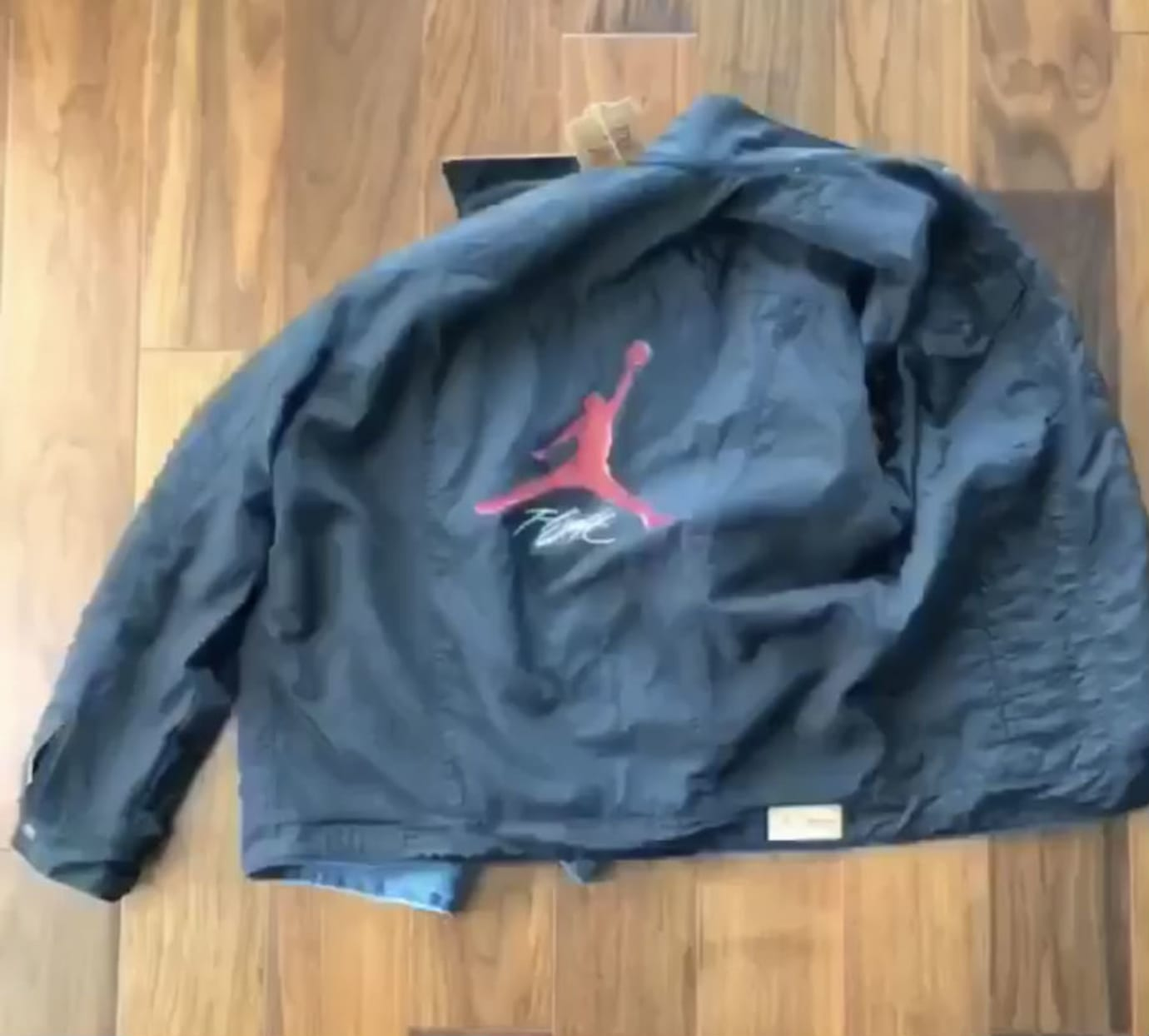 58de32ae3c2580 Levi s x Air Jordan 4 Blue Denim Release Date AO2571-401