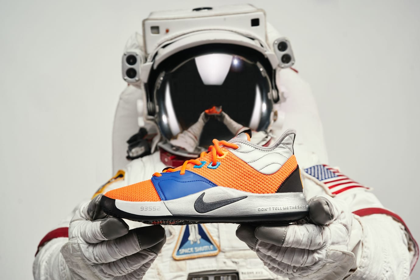 Nike PG 3 NASA Release Date CI2666-800 Astronaut Hands