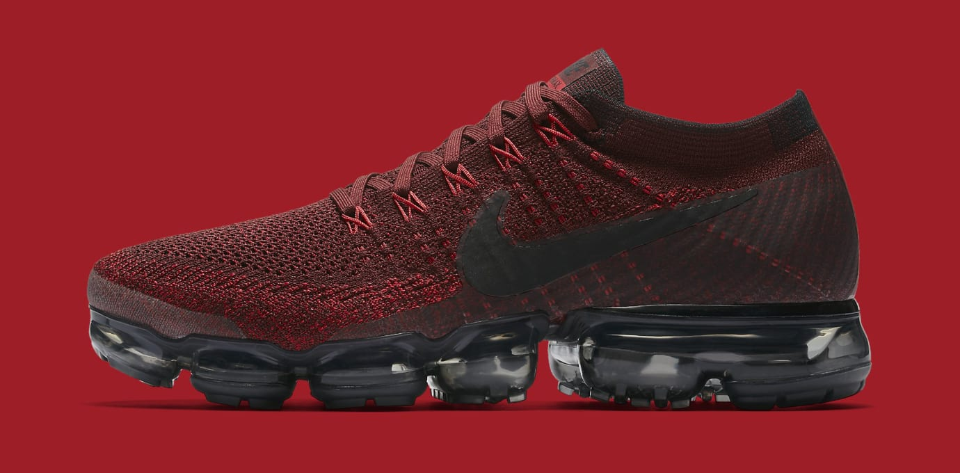 buy popular a6ccf 04be9 Red Nike VaporMax 849558-601 Profile