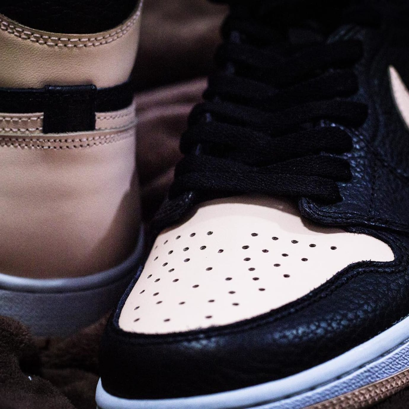 bf3ead3cccb4d Image via hanzuying · Air Jordan 1 Retro High OG  Crimson Tint  555088-081 8