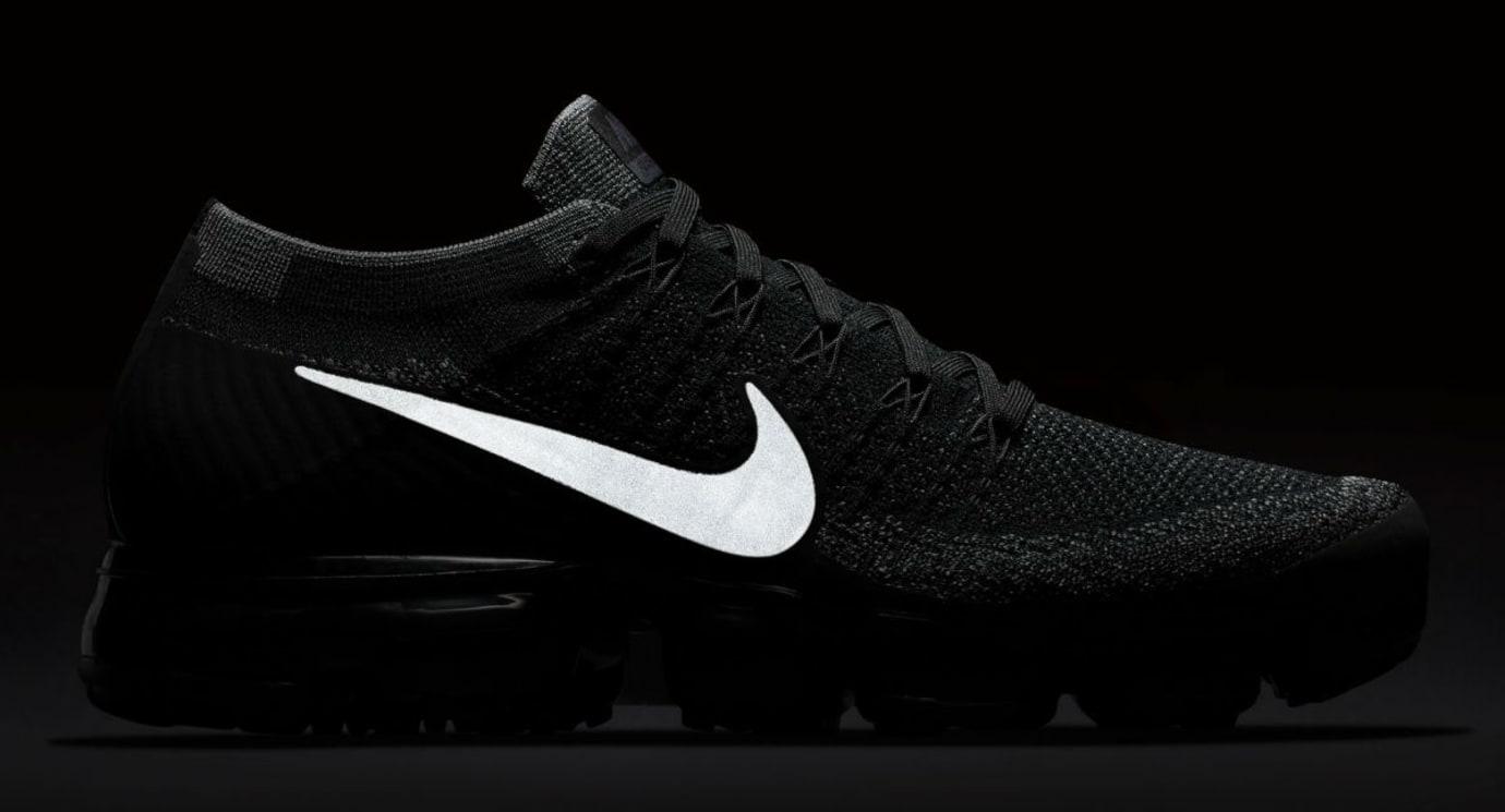 finest selection 3fff3 b9da1 Nike Air VaporMax Black Release Date | Sole Collector