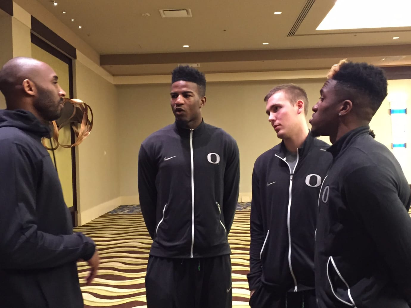 Kobe Bryant Visits Oregon Ducks Final Four (2)