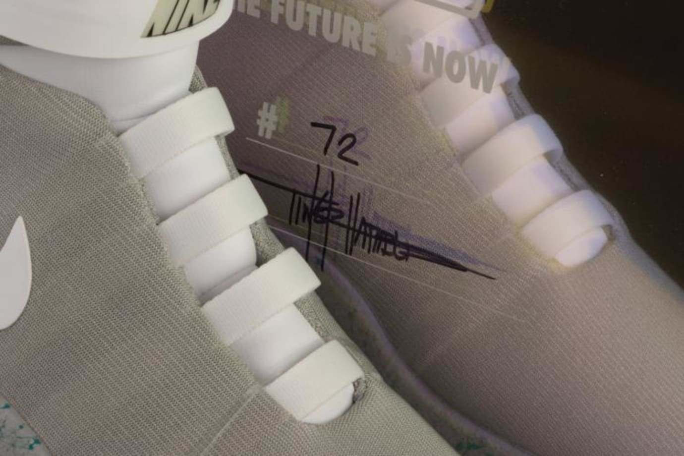 Auto-Lacing Nike Mag Auction (4)