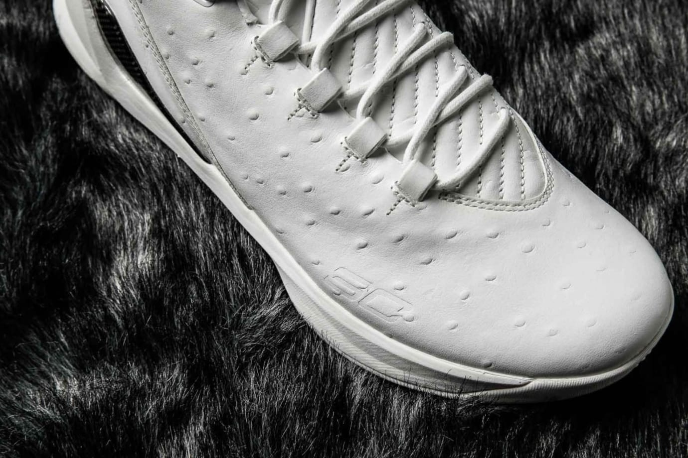 Under Armour Curry 3 Low Lux White Ostrich Upper