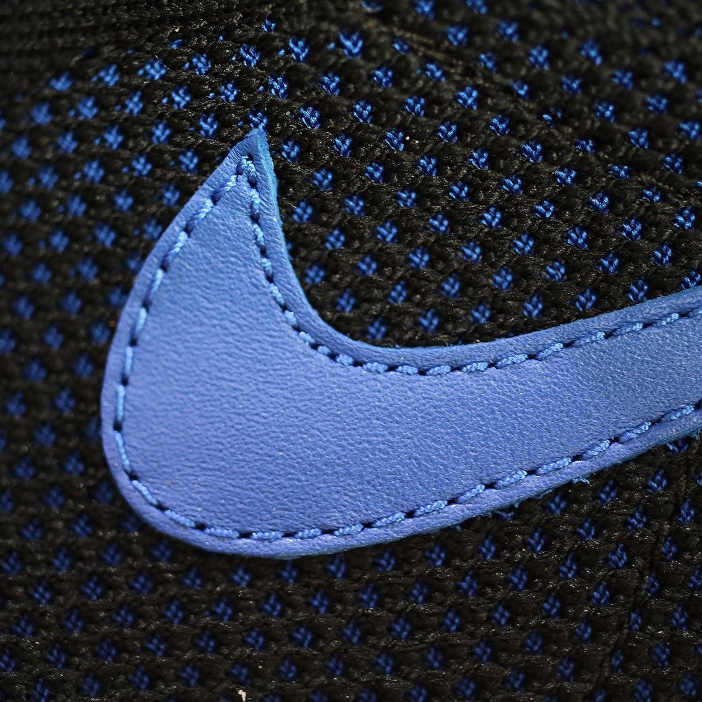 Air Jordan 1 Flyknit Royal Release Date 919704-006 (13)