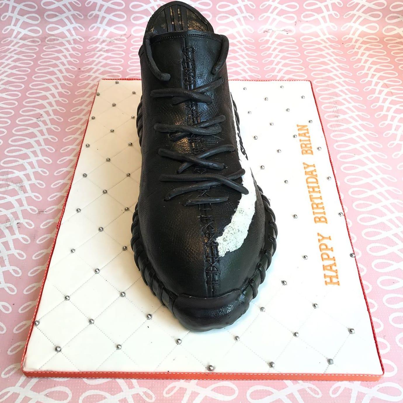 c7fe85af3b4 Adidas Yeezy Boost 350 V2 Birthday Cake (2)
