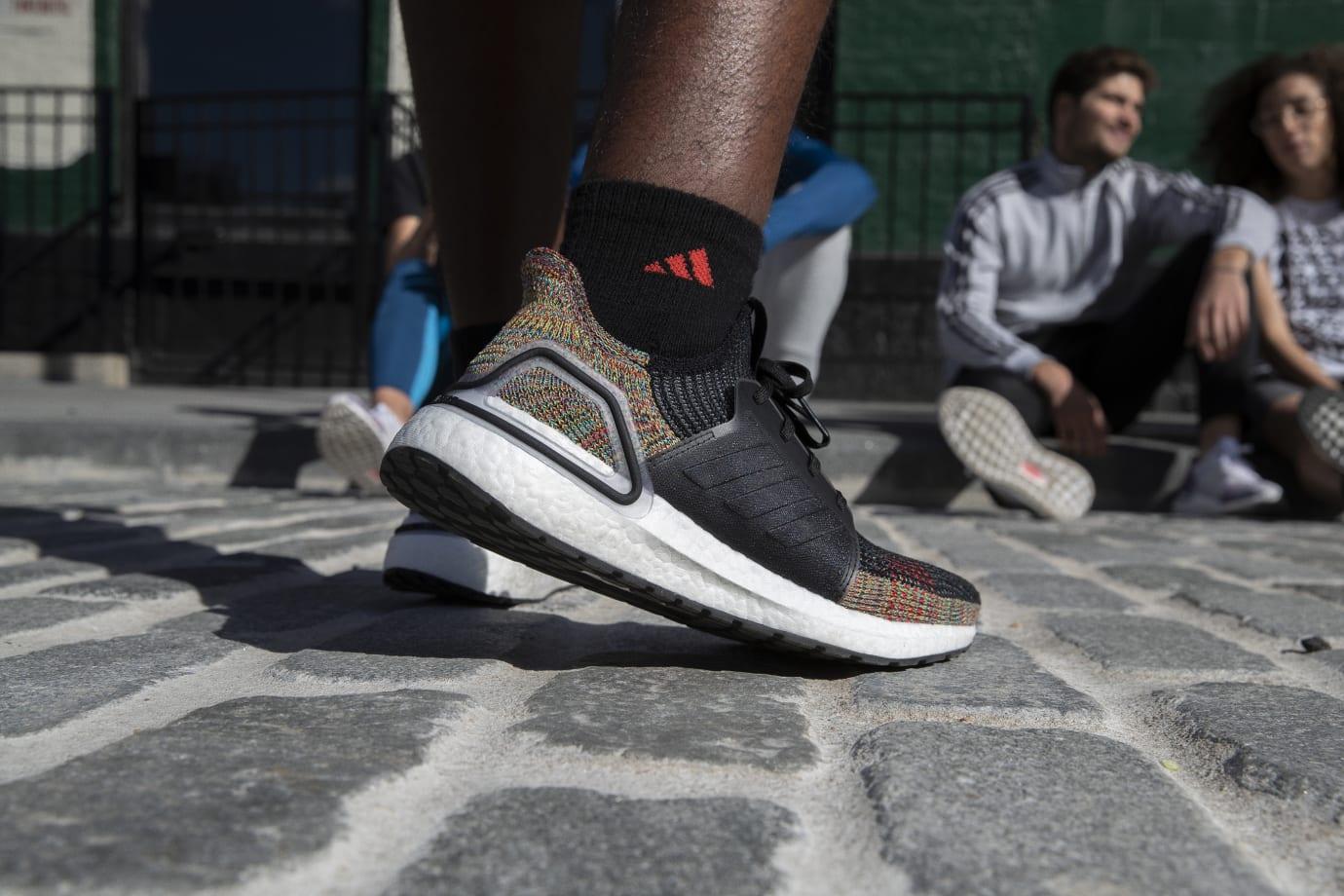 Adidas UltraBoost 19 'Dark Pixel' 3