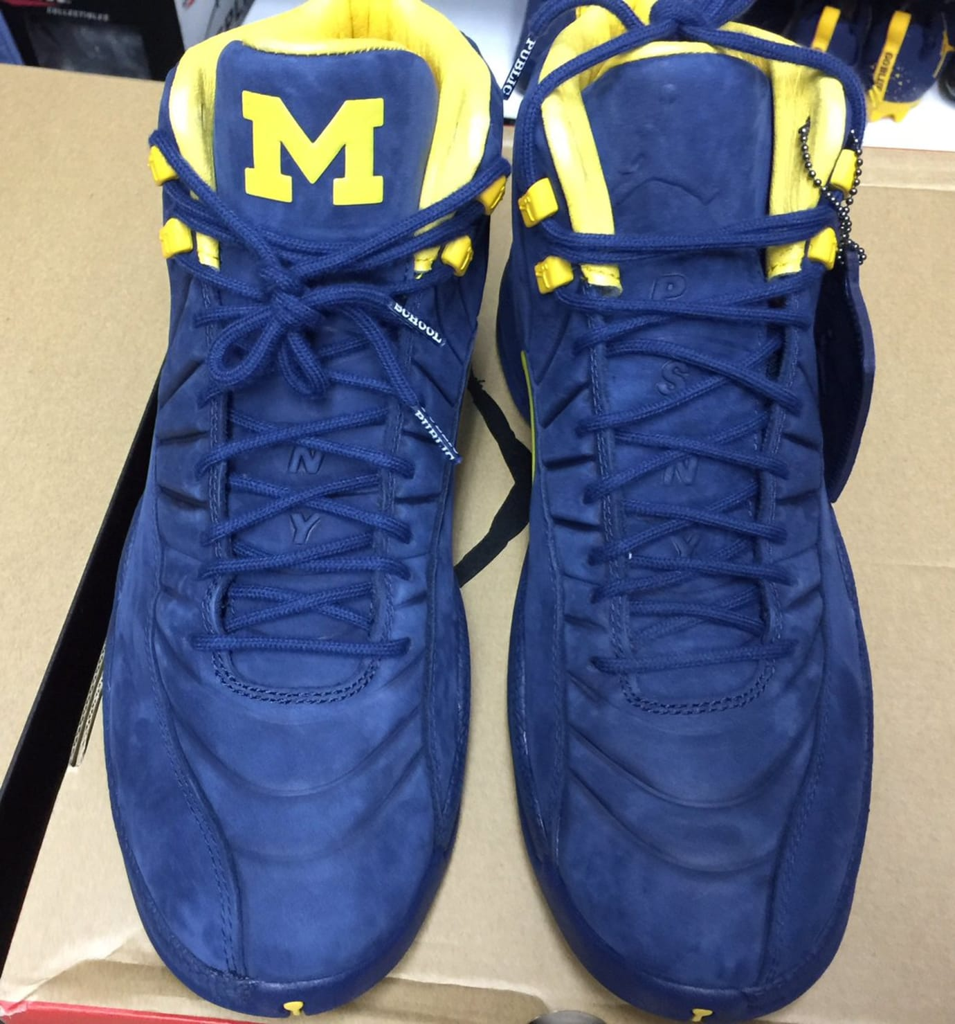 purchase cheap 4bbaf 94a5f PSNY Air Jordan 12 Michigan Front