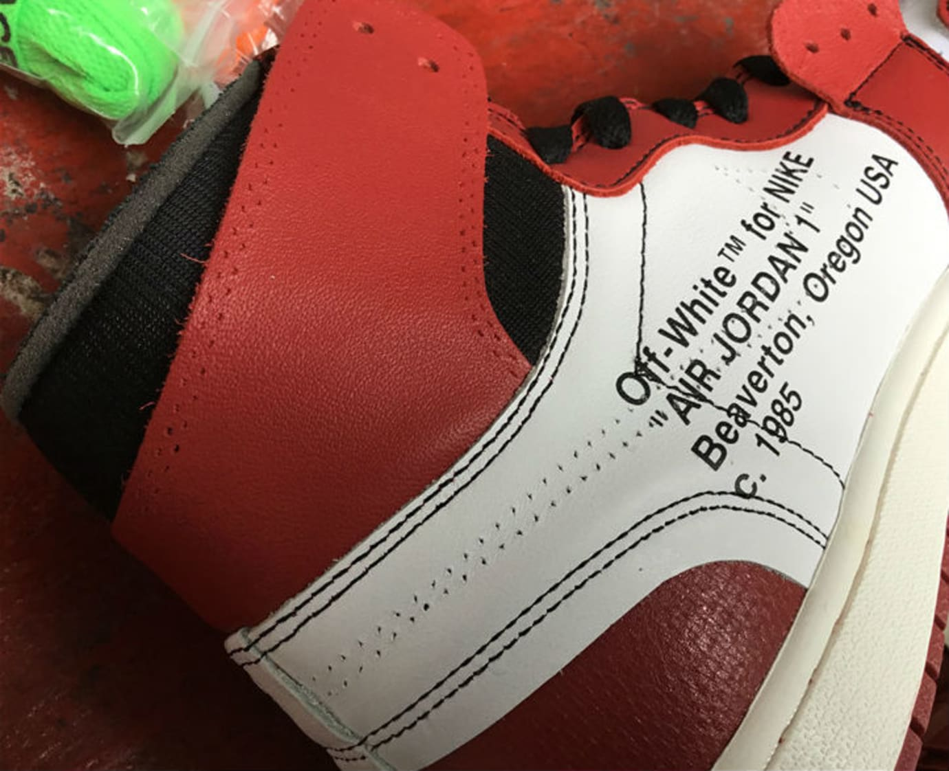 Off-White Air Jordan 1 Release Date Collar AA3834-101