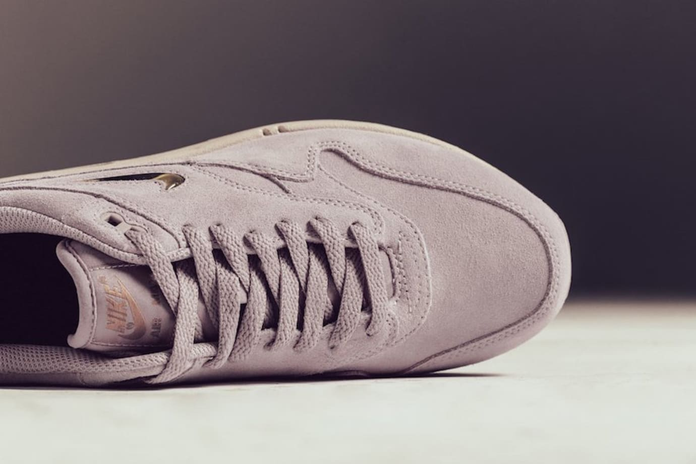 sale retailer 585c0 787c3 Image via Feature · Nike Air Max 1 Jewel Particle Rose 918354-601 (Toe)